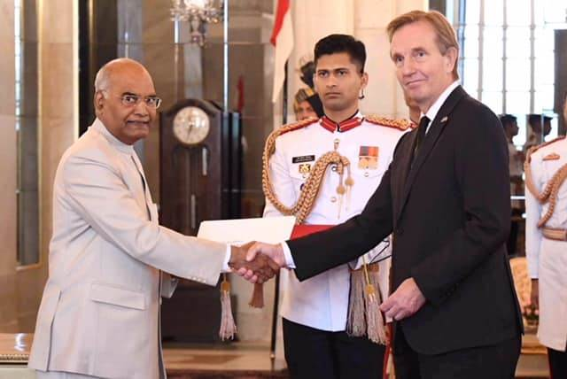 New Ambassador of Iceland presents credentials to President - mynd